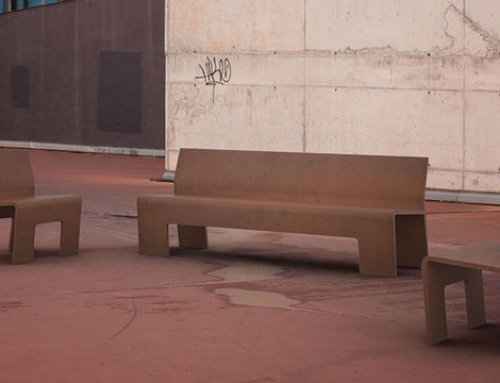 Integración 3D de mobiliario urbano en fotografía de exteriores